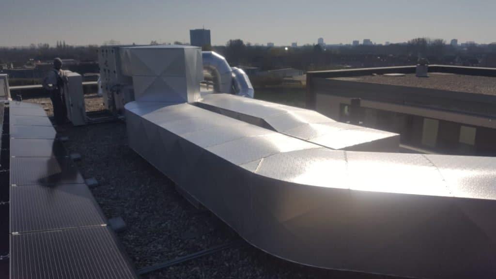 Kanaalwerk op het dak